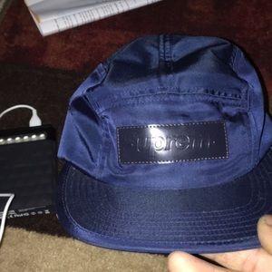 5 panel supreme hat in navy blue
